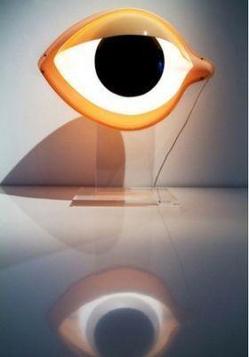 lámparas terroríficas halloween - lámpara con forma de ojo