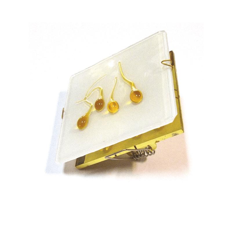 Aro empotrable cristal cuadrado con gotas ámbar y base oro